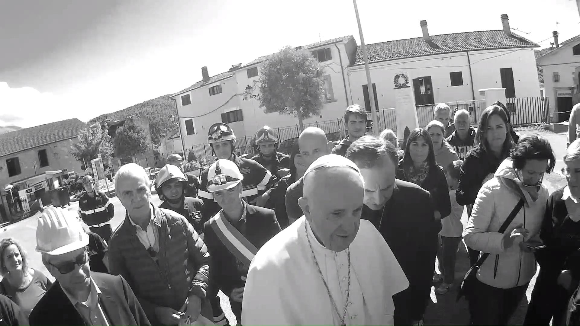 Visita di Papa Bergoglio in Piazza S. Francesco ad Accumoli